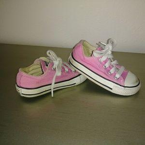 Baby girl pink converse